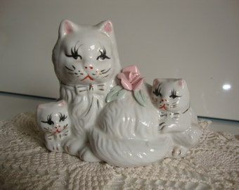 Collectible Ceramic Cat with 2 Kittens