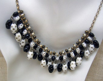 Art Deco, Black and White Glass Beaded  Necklace, Fabulous