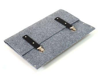 MacBook Pro 15 and Retina Case,  Sleeve, Briefase grey synthetic felt with black leather straps