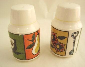 VINTAGE HOLT HOWARD Salt and Pepper Shakers  -  1964  - New Corks - Harvest Gold, Avocado Green, Burnt Orange