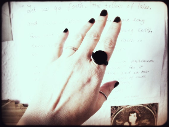 Scrying Using A Ring