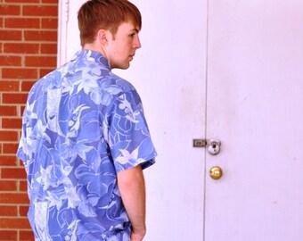 Vintage Mens Hawaiian Shirt XL Surfer Blue Floral Made in America USA Flowers Collared Short Sleeve Beach Boho