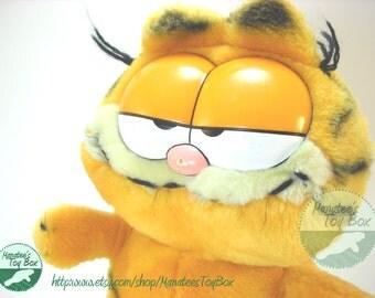 Vintage 1980s Garfield Plush by Dakin