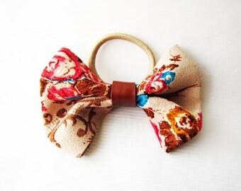 Floral ponytail bow, colorful hair bow, flower fabric hairbow, girl ponytail bow, hair bow elastic, floral bow hair clip, boho hair bow