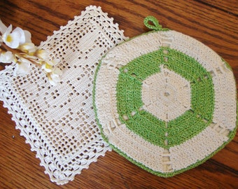 Pot Holder and Hot Pad Hand Crocheted Vintage Pot Holders Green and White
