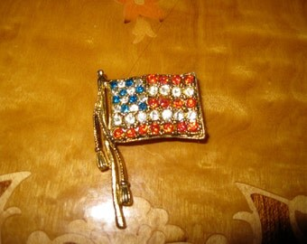Thelma Deutsch Vintage American Flag Rhinestone Pin Vintage Jewelry