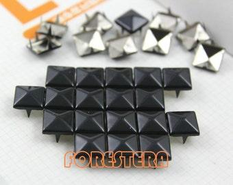 50Pcs 10mm Black Color PYRAMID Studs (C-BL10)