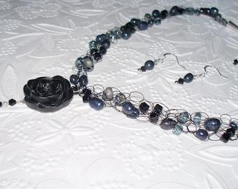 black rose necklace, crochet wire jewelry,  beaded wire jewelry, elegant necklace , black rose,jewelry set