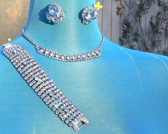 Parure blue rhinestone necklace , earrings, and bracelet in silvertone