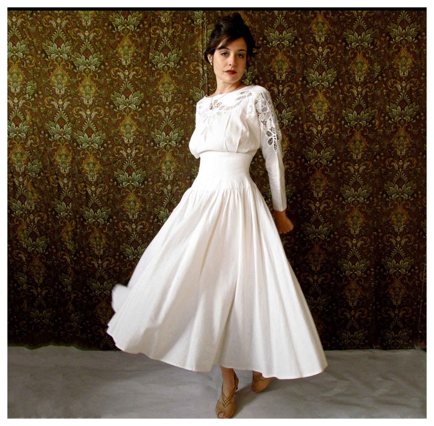 Beautiful Vintage White Linen Wedding Dress With Cut Out