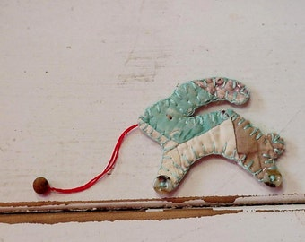 Primitive Rabbit Brooch, Shabby Folk Art Quilted Pull Toy Bunny Ornament, Original Cutter Quilt Prim Lapel Pin Embellishment itsyourcountry