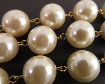 Vintage Jumbo 13mm Faux Ivory Pearl Chain Ch163