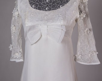 Vintage Vera Mont Paris Wedding Dress - hippie flower child, with lovely details