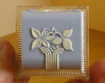 Lovely Blue Art Deco floral lucite celluloid ring display presentation Box Case velvet lined Vintage