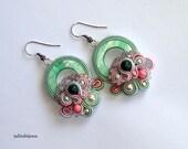 Boucles d'oreilles vertes pastel jardin de fleurs
