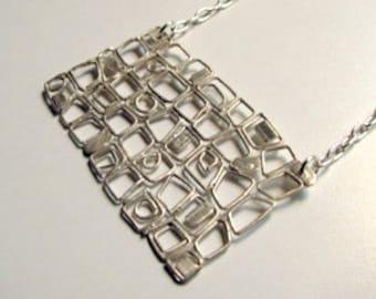 Gooey Mesh necklace