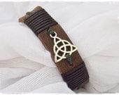 Men's Leather Cuff Bracelet, Triquetra Leather Cuff, Celtic Leather Bracelet, Trinity Knot Bracelet, Charmed Leather Cuff, Wiccan Bracelet