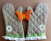 Spring Garden Oven Mitts, Insulated Hot Pads, Wild Crow Farm