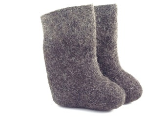 ADORABLE WOOL felted Russian BOOTS (Valenki)