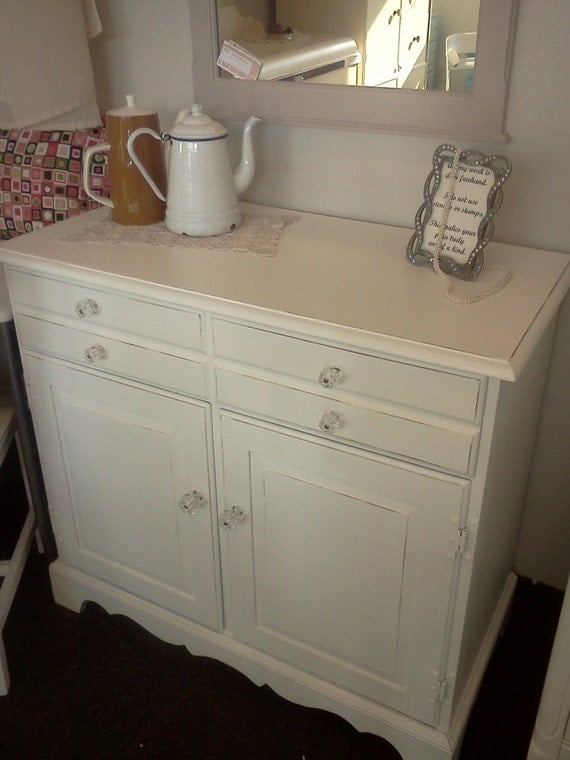 vintage shabby chic buffet sideboard server. Black Bedroom Furniture Sets. Home Design Ideas