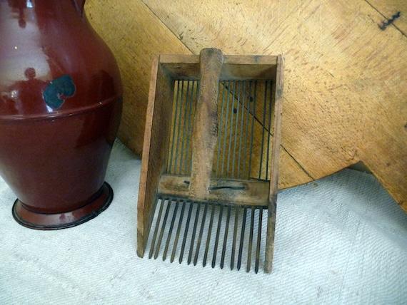 Vintage Wood Scoop Rake Cranberry Scoop Berry Scoop Farm Utensil Rustic