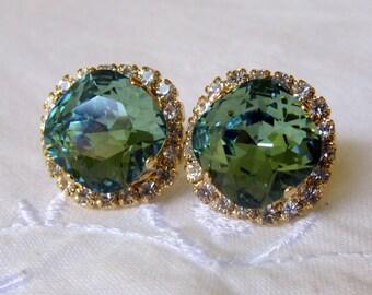 Green Swarovski crystal stud earrings, kelly green stud earrings, Bridesmaids gift, Bridal earrings, Rhinestones stud earrings, Gold plate