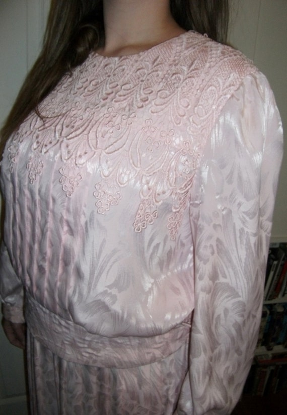 Vintage Pink Satin Mother of the Bride Dress Lace Trimmed Blouse Pleated Skirt Only 15 USD