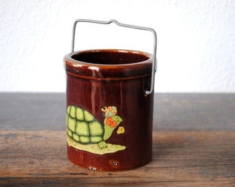 Kitschy Turtle Stoneware Crock Pencil Holder, Toothbrush Paintbrush Pens, Vintage Kitchen Office Decor