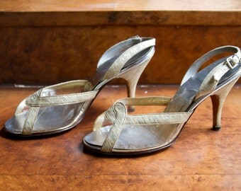 1950s High Heels // Shoes Gold Lurex and Clear Plastic Slingback High Heels by Petite Debs