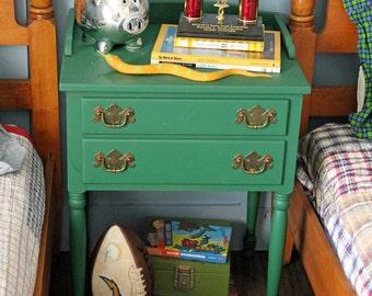 Vintage Chic Side/ End Table Painted Kelly Green / Moss Green By Foo Foo La La