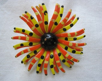 Fun & Funky Vintage Yellow, Orange and Black Spider Mum Flower Brooch