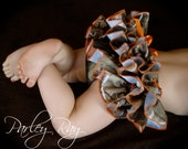 Beautiful Parley Ray Daddy's Girl REALTREE Camo Ruffled Diaper Cover/ Baby Bloomers/ Photo Prop Hunter Orange
