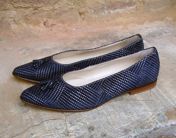 Vintage navy blue suede leather flats/ Point Toe Flats/ Ballerina Flats/ Made in Italy/ shoes size US 8, EUR 38.5, UK 5.5
