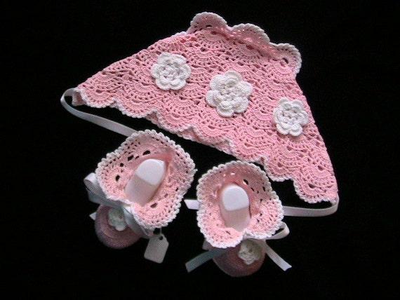 Crochet Baby Girl Hat and Booties Preemie/newborn baby set Beanie Vicrorian baby set Vintage Baby hat and booties set