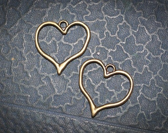 50% off  Charms Heart Valentines antique bronze - Bracelet making  Lead and Nickel Free 6 pieces