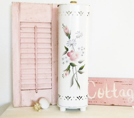 Made FRONT PAGE : Tole Ware Detecto Toleware Bathroom ORGANIZER - Rare - Shabby Cottage Farmhouse - Lilac Pink Grey - Metal 1940's 1950's