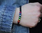 Chanvre noir Bracelet ou bracelet de cheville avec perles Mini poney arc-en-ciel