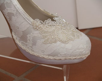 Wedding Ivory Heels with platform Lace and Pearls,Ivory Lace Wedding Pumps, Platform Heels,High Heels,Victorian,Great Gatsby Style,Off White