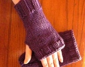 Wristlets Fingerless Mitts Hand Warmers - in the color Aubergine - Purple