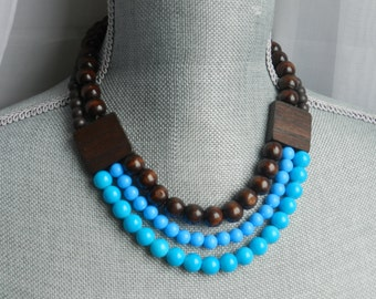 ShoRt NeckLacE - 3 of  WoOd