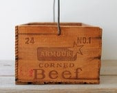 Vintage farm house style wood crate / primitive decor / old shipping crate / up-cycled storage box / center piece / rustic display crate