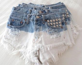 Vintage LEVIS Studded High Waisted OMBRE Denim Shorts L