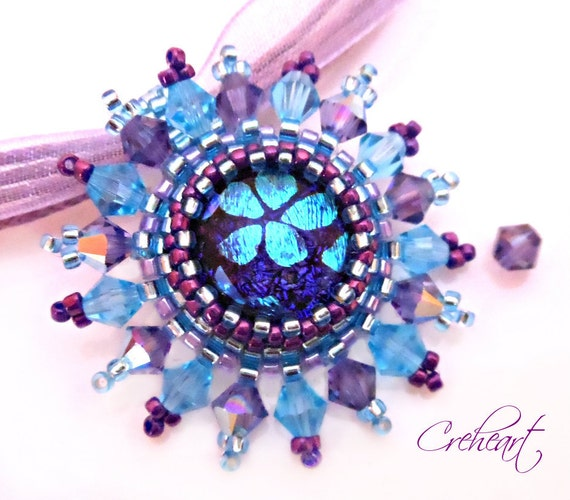 Handmade beadwork - Pendant with Dichroic cabochon and Swarovski Crystal bicones -  Bora Bora
