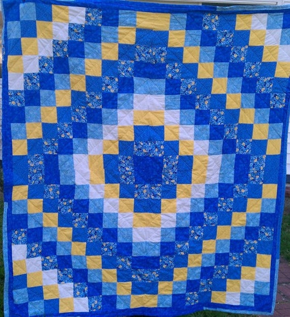 Items similar to Amish quilt pattern, Around the World Queen size Quilt on Etsy