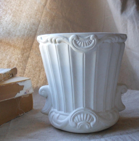 Vintage White Classical Planter - Formalities by Baum Bros.