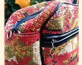 Gorgeous Vintage Tapestry Handbag, Red, green, Yellow, Asian Scene