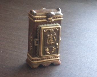 Vintage Armour Trinket Box Jewelry Box 1950s with Accessories