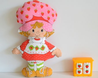Vintage Strawberry Shortcake Stuffed Plush & Berry Happy Home Doll House Furniture Berry Cozy Kitchen Set Ice Box Miniature 1980s 80s