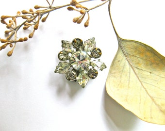 Vintage Rhinestone Pin Brooch Clear Star Flower Petite Fashion Wedding Bridal Jewellery