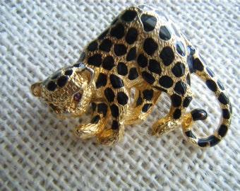 Adorable Leopard Brooch Signed PARKLANE Brooch